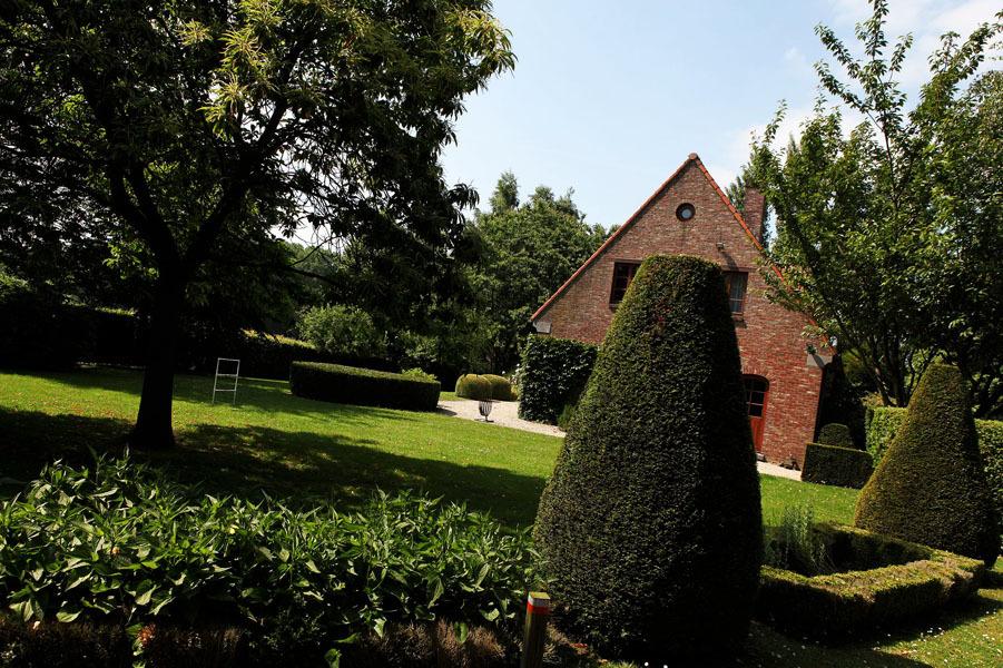 Entretien de parcs et jardins lens hainaut le gardenia for Entretien jardin 40